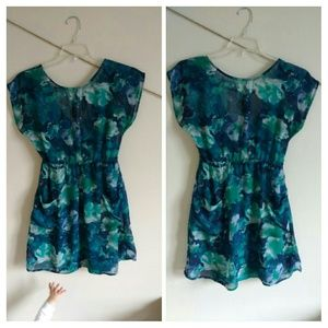 Floral tunic or mini dress